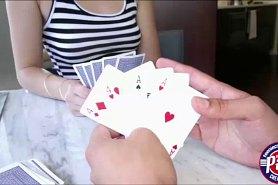Прелестная Хлоя проигралась в карты на раздевание