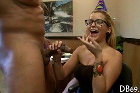 Молодежная секс вечеринка в клубе для девушек