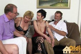 Любительское групповое порно немецких свингеров