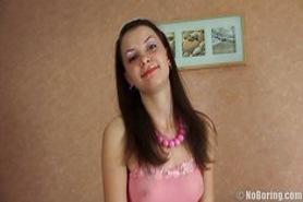 Русскую девушку ебут раком