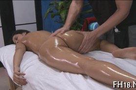 Возбуждающий массаж с проникновением